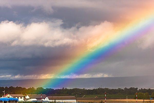 練馬の虹始めて見える
