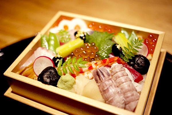 練馬で食べた備前ばら寿司弁当