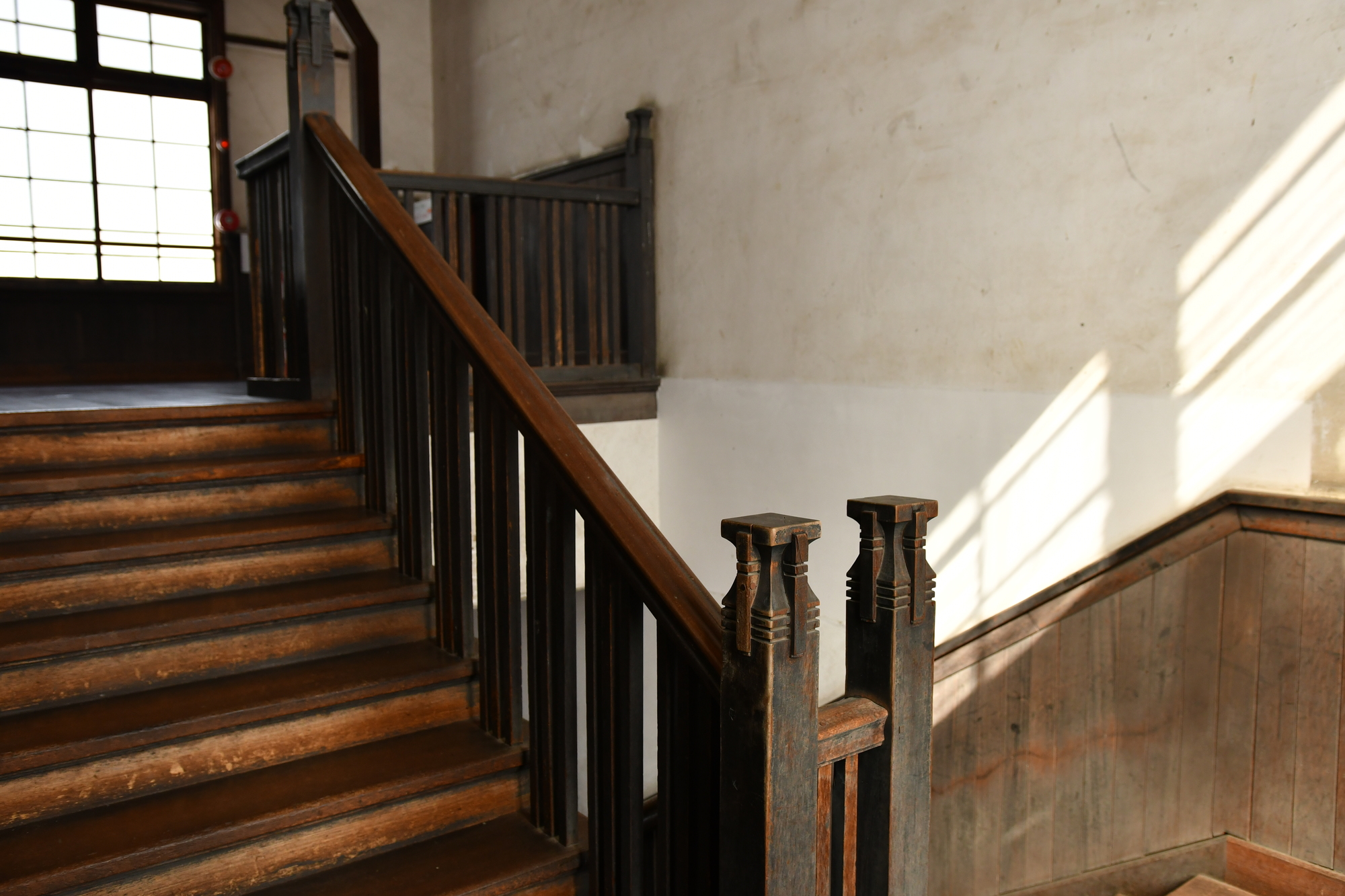 広がる階段