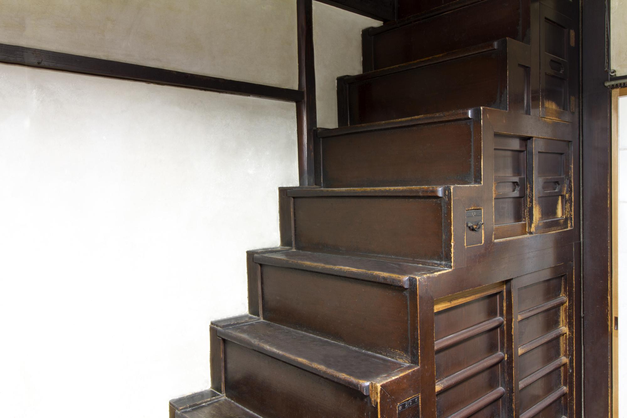 練馬区の階段箱収納