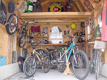 自転車置き場専用家屋