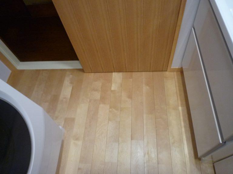 S邸洗面室床断熱無垢フローリング工事
