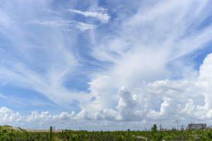 バスタブから臨んだ雲の流れ