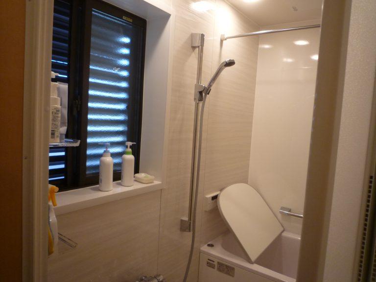 S邸浴室サッシ工事