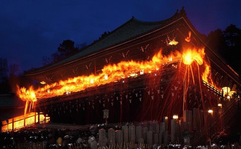 奈良-東大寺・二月堂の修二会(お水取り・お松明)