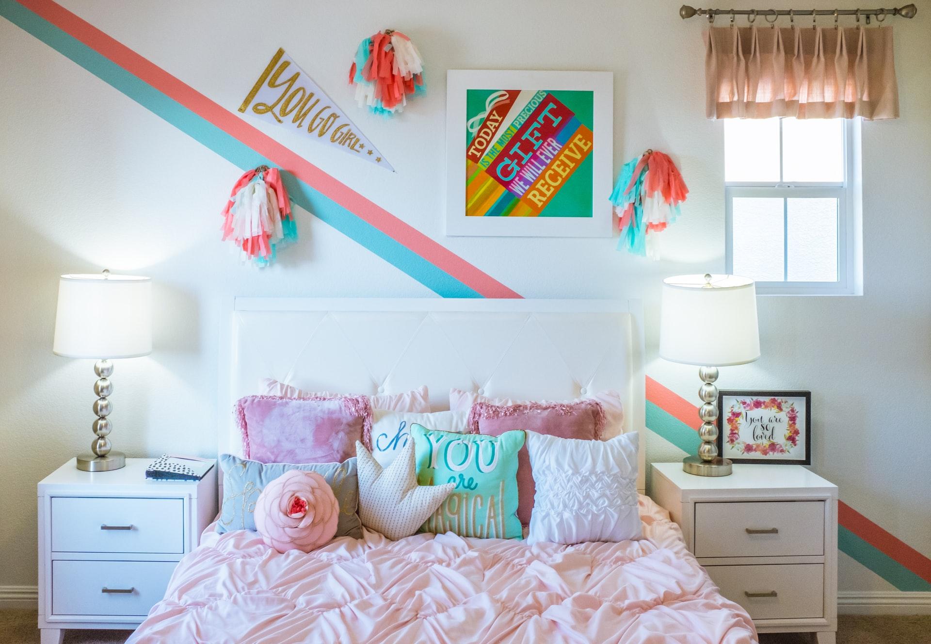 幼い娘たちの部屋