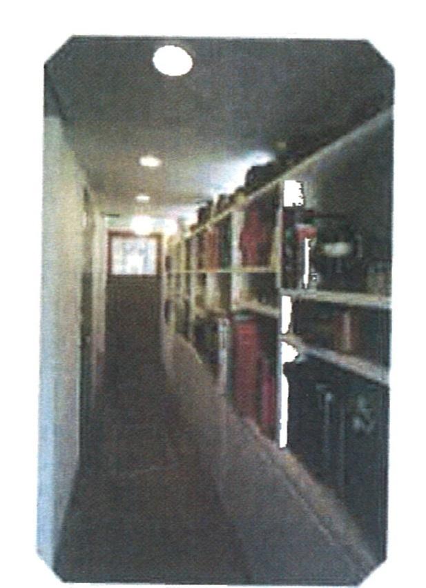 収納を兼ねる廊下